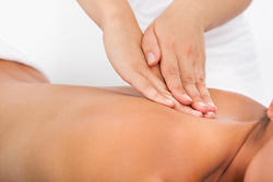 Aromatherapy Massage Calms Cancer Patients
