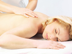 Aromatherapy massage and music helps relieve anxiety for nurses