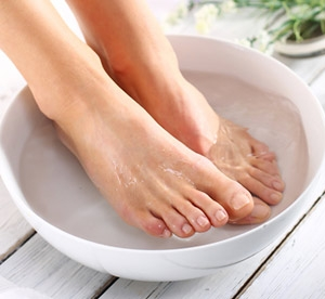 Essential oils to use in a foot bath