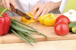 Preparing salad ingredients