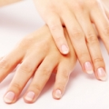 Aromatherapy has the power to rejuvenate your hands