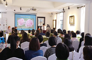 Quinessence Lectures At New Healing Centre In China